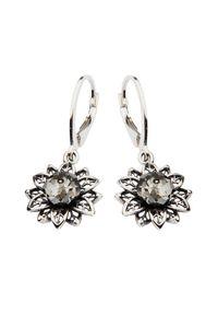 Polcarat Design - Kolczyki srebrne z kryształami Swarovskiego K 1611. Materiał: srebrne. Kolor: srebrny. Wzór: kwiaty, aplikacja. Kamień szlachetny: kryształ