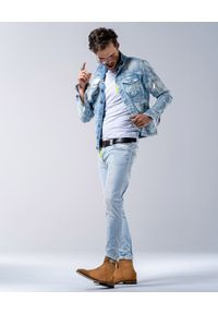 GUNS & TUXEDOS - Niebieskie jeansy Dacota. Kolor: niebieski. Wzór: aplikacja. Styl: elegancki