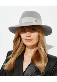 MAISON MICHEL PARIS - Szary kapelusz Henrietta. Kolor: szary. Materiał: jedwab, materiał. Wzór: aplikacja. Styl: elegancki
