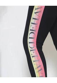 Czarne legginsy Deha sportowe, w kolorowe wzory