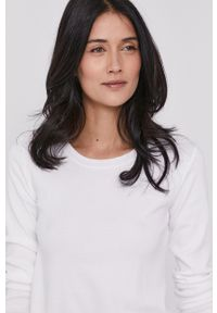 United Colors of Benetton - Sweter. Kolor: biały. Materiał: dzianina. Długość rękawa: długi rękaw. Długość: długie