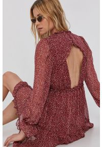 Vero Moda - Sukienka. Kolor: czerwony. Materiał: tkanina, materiał. Długość rękawa: długi rękaw. Typ sukienki: rozkloszowane