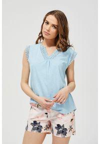 Niebieska bluzka MOODO z krótkim rękawem, klasyczna, z klasycznym kołnierzykiem, krótka