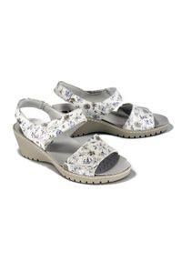 Sandały Suave na rzepy