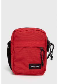 Eastpak - Saszetka. Kolor: czerwony. Rodzaj torebki: na ramię