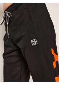 Czarne spodnie dresowe DKNY Sport