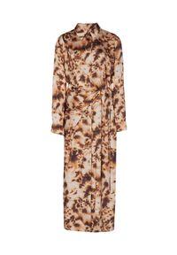 NANUSHKA - Satynowa sukienka Bisso. Okazja: na co dzień. Kolor: brązowy. Materiał: satyna. Styl: klasyczny, casual