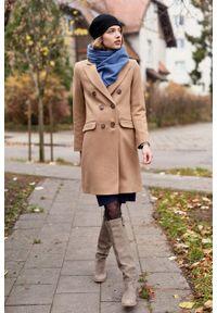 Marie Zélie - Płaszcz wełniany Debora beżowy – flausz. Kolor: beżowy. Materiał: wełna. Wzór: motyw zwierzęcy, ze splotem. Sezon: zima. Styl: klasyczny #10