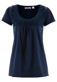 Niebieska bluzka bonprix w koronkowe wzory, z krótkim rękawem, krótka