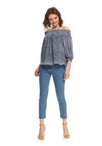 Niebieska bluzka TOP SECRET w kolorowe wzory, na lato, z dekoltem typu hiszpanka