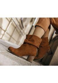 Brązowe botki Zapato bez zapięcia, z okrągłym noskiem