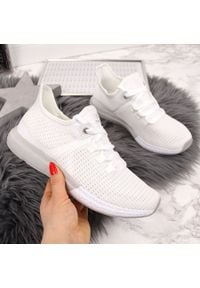 Buty sportowe damskie białe Atletico. Kolor: biały. Materiał: materiał. Szerokość cholewki: normalna