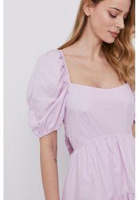 BARDOT - Bardot - Sukienka. Kolor: fioletowy. Materiał: tkanina. Typ sukienki: rozkloszowane