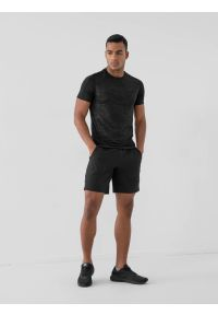 4f - Spodenki treningowe szybkoschnące męskie. Kolor: czarny. Materiał: dzianina. Sport: fitness