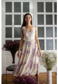 MOE - Midi Sukienka na Ramiączkach z Kwiatowym Nadrukiem - Model 3. Materiał: wiskoza. Długość rękawa: na ramiączkach. Wzór: kwiaty, nadruk. Długość: midi