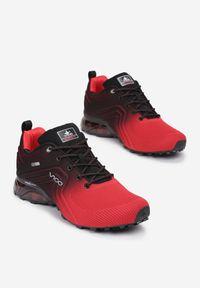 Born2be - Czarno-Czerwone Buty Sportowe Vhesiesh. Wysokość cholewki: przed kostkę. Nosek buta: okrągły. Kolor: czarny. Materiał: materiał. Szerokość cholewki: normalna. Wzór: aplikacja