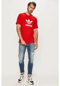 Czerwony t-shirt adidas Originals casualowy, z nadrukiem