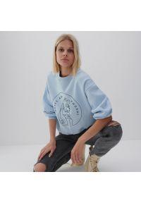 Reserved - Bluza z nadrukiem DISNEY - Kremowy. Kolor: kremowy. Wzór: motyw z bajki, nadruk