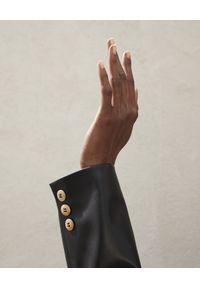 NANUSHKA - Czarna marynarka Blair ze skóry wegańskiej. Kolor: czarny. Materiał: skóra. Długość rękawa: długi rękaw. Długość: długie. Sezon: wiosna. Styl: elegancki