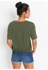Shirt z ozdobnymi sztrasami bonprix ciemny khaki. Kolor: zielony. Materiał: materiał. Wzór: aplikacja
