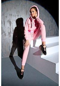 Różowa bluza sportowa FJ! z kapturem, z haftami