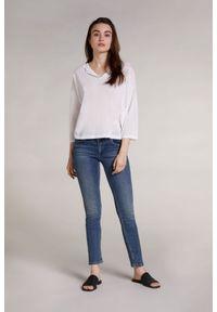 Biały delikatnie przezroczysty sweter z kapturem Oui. Typ kołnierza: kaptur. Kolor: biały. Materiał: wiskoza, poliamid. Styl: elegancki
