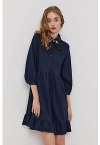Vero Moda - Sukienka. Kolor: niebieski. Typ sukienki: rozkloszowane