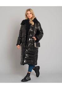 YVES SALOMON PARIS - Czarny płaszcz puchowy z kapturem. Typ kołnierza: kaptur. Kolor: czarny. Materiał: puch. Długość rękawa: długi rękaw. Długość: długie. Sezon: zima. Styl: elegancki