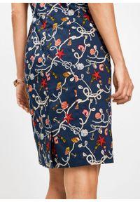 Sukienka ołówkowa z nadrukiem bonprix ciemnoniebieski z nadrukiem. Kolor: niebieski. Wzór: nadruk. Typ sukienki: ołówkowe