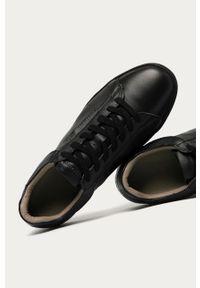 Czarne sneakersy AllSaints na niskim obcasie, na sznurówki, na obcasie