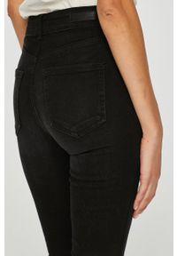 Czarne jeansy Pieces