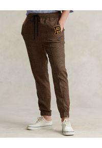 Ralph Lauren - RALPH LAUREN - Tweedowe spodnie dresowe Relaxed fit. Kolor: brązowy. Materiał: dresówka. Wzór: aplikacja