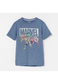 Niebieski t-shirt Reserved z motywem z bajki