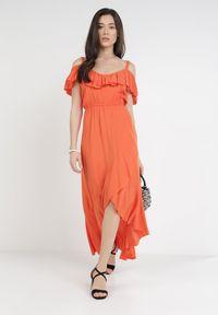Born2be - Pomarańczowa Sukienka Yearly. Okazja: na plażę. Typ kołnierza: dekolt hiszpanka. Kolor: pomarańczowy. Materiał: wiskoza. Długość rękawa: na ramiączkach. Typ sukienki: asymetryczne. Długość: midi