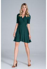 Figl - Krótka Dzianinowa Sukienka Kopertowa - Zielona. Kolor: zielony. Materiał: dzianina. Typ sukienki: kopertowe. Długość: mini