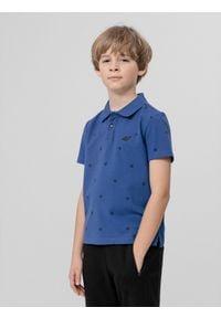 4f - Koszulka polo regular chłopięca. Typ kołnierza: polo. Kolor: niebieski. Materiał: materiał