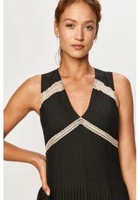 Czarna sukienka TwinSet na ramiączkach, z aplikacjami, rozkloszowana, maxi