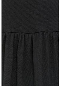 only - Only - Sukienka. Kolor: czarny. Materiał: dzianina, bawełna. Długość rękawa: krótki rękaw. Wzór: gładki. Typ sukienki: rozkloszowane
