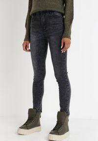 Born2be - Czarne Jeansy Skinny Euphethei. Stan: podwyższony. Kolekcja: plus size. Kolor: czarny. Długość: długie