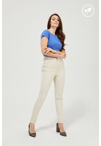 MOODO - Spodnie rurki lyocell. Stan: podwyższony. Materiał: lyocell. Długość: długie. Wzór: gładki