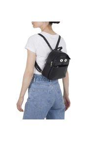 Czarny plecak młodzieżowy