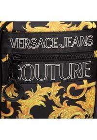 Versace Jeans Couture - Saszetka VERSACE JEANS COUTURE - E1YWABA3 71896 M27. Kolor: żółty, wielokolorowy, czarny. Materiał: materiał