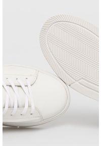 vagabond - Vagabond - Buty skórzane Judy. Nosek buta: okrągły. Zapięcie: sznurówki. Kolor: biały. Materiał: skóra. Obcas: na platformie