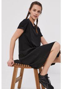 Deha - Sukienka. Kolor: czarny. Materiał: tkanina. Długość rękawa: krótki rękaw. Wzór: gładki. Typ sukienki: rozkloszowane