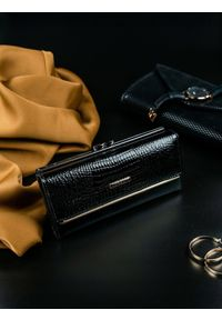 Czarny portfel LORENTI
