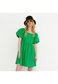 House - Bawełniana sukienka z bufiastym rękawem - Zielony. Kolor: zielony. Materiał: bawełna