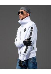 GUNS & TUXEDOS - Biała bluza z bawełny Sigsauer. Kolor: biały. Materiał: bawełna. Wzór: nadruk. Styl: elegancki, sportowy