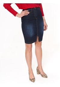 TOP SECRET - Spódnica jeansowa. Okazja: na co dzień. Kolor: niebieski. Materiał: jeans. Długość: do kolan. Sezon: jesień. Styl: klasyczny, casual