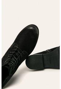 Czarne botki vagabond z cholewką, bez obcasa, na sznurówki