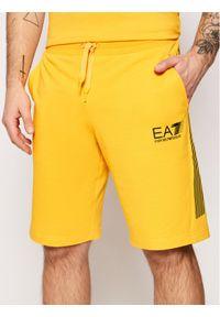 EA7 Emporio Armani Szorty sportowe 3KPS67 PJ05Z Żółty Regular Fit. Kolor: żółty
